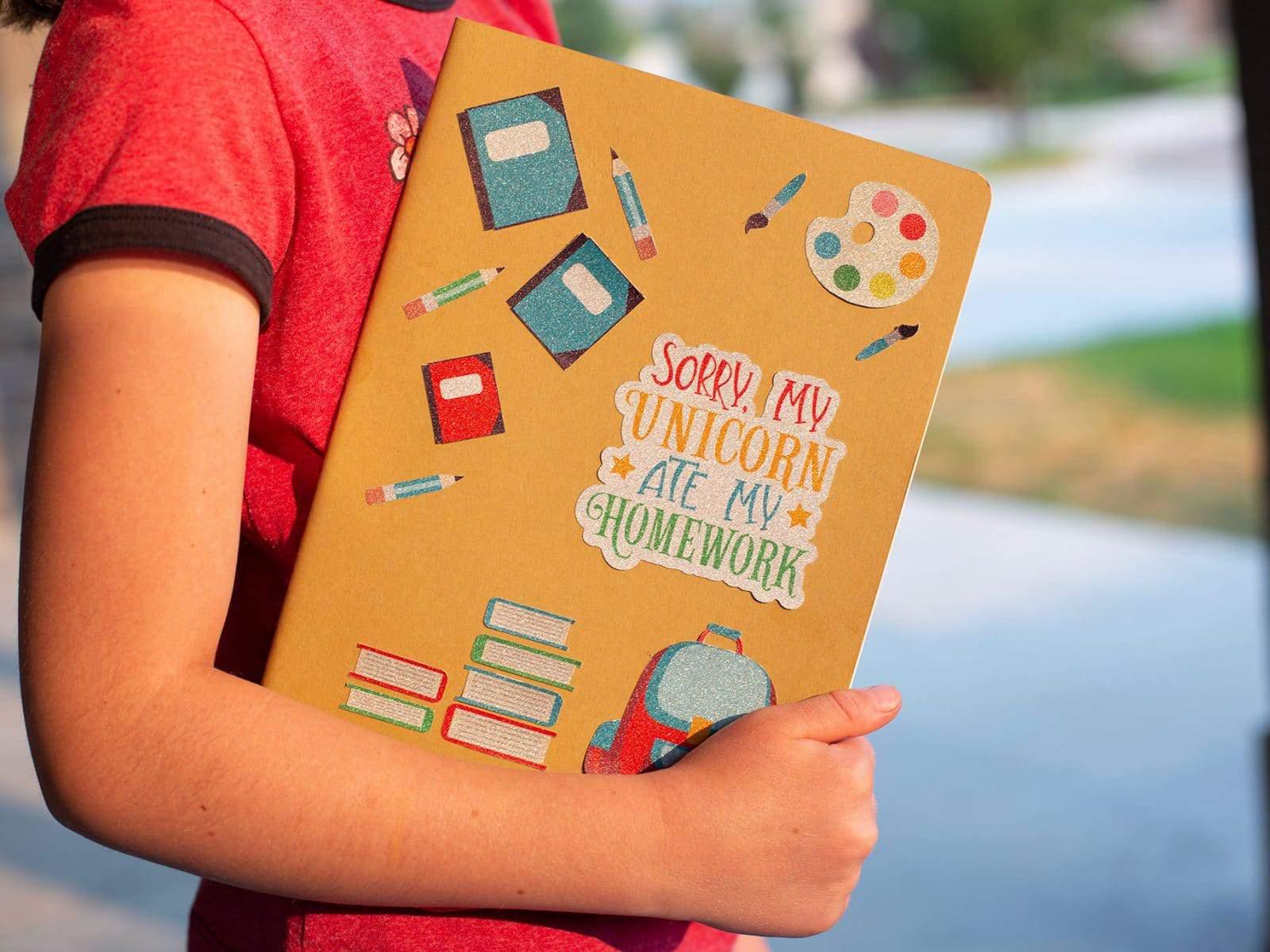 Etiquetas escolares y kits para el personalizado de prendas para el colegio